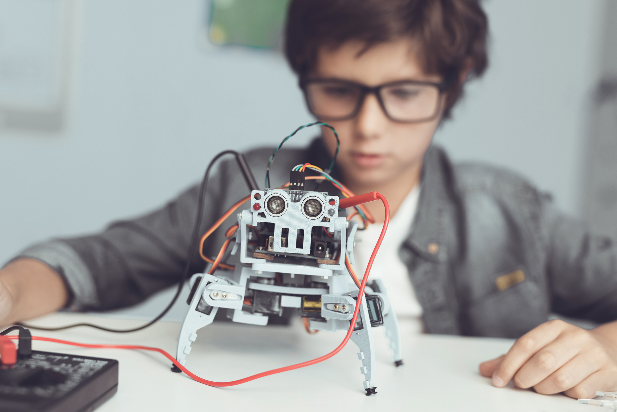 Entenda como a inteligência artificial pode contribuir para o aprendizado