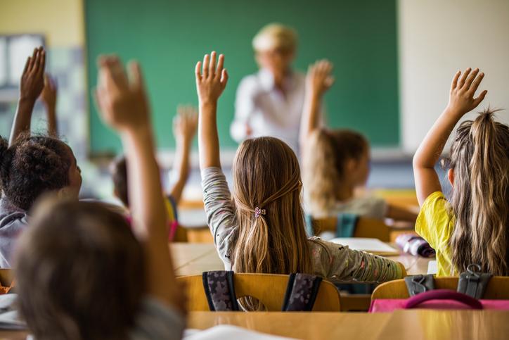 Sala de aula invertida: conheça os benefícios e saiba como colocar a metodologia em prática