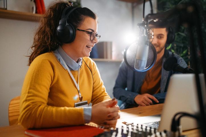 Descubra como usar o podcast na educação