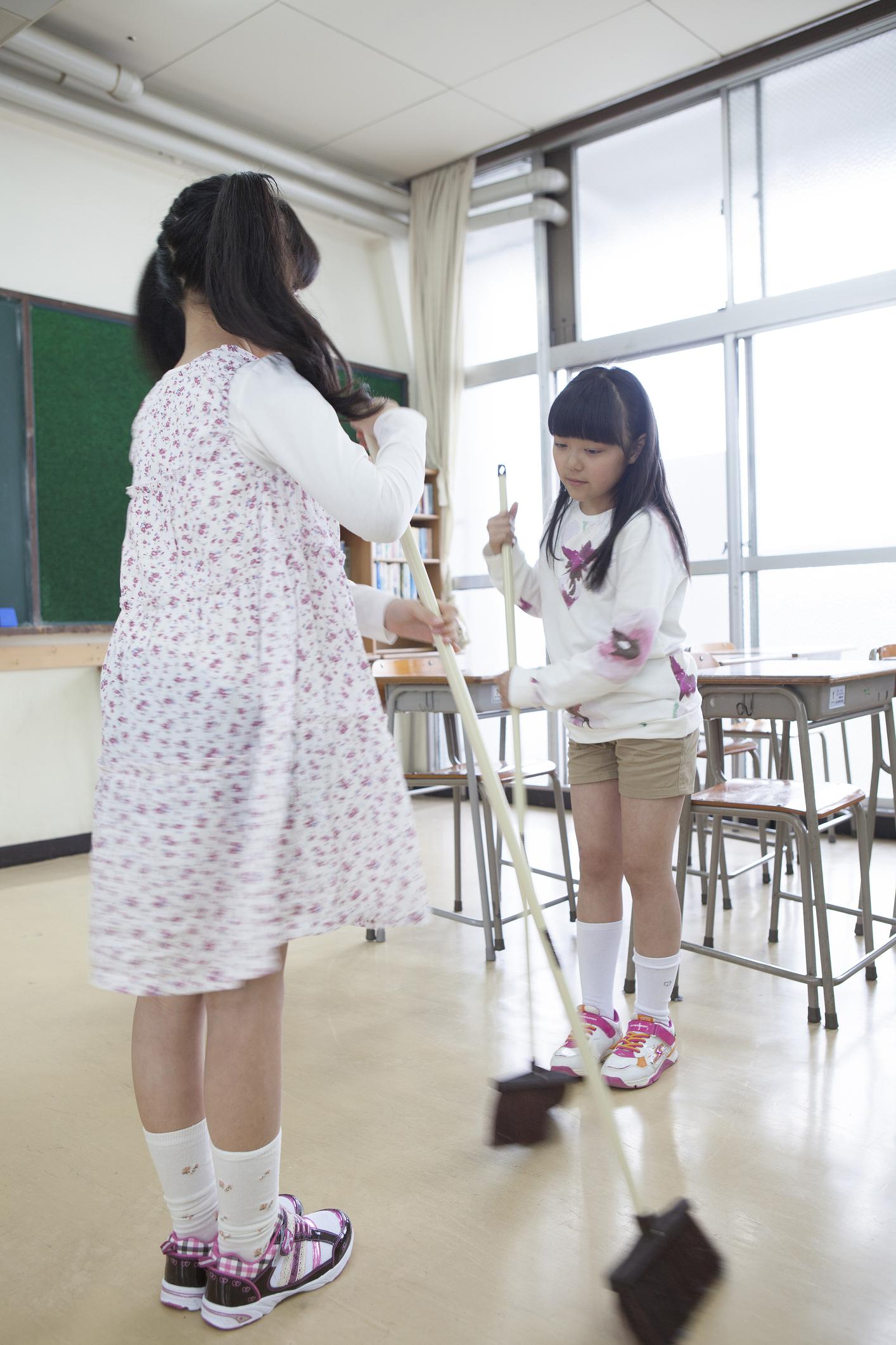 5. Os alunos são responsáveis pela limpeza