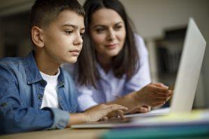 6 maneiras de garantir o apoio da família no ensino à distância