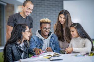 Peer learning: entenda o aprendizado por pares