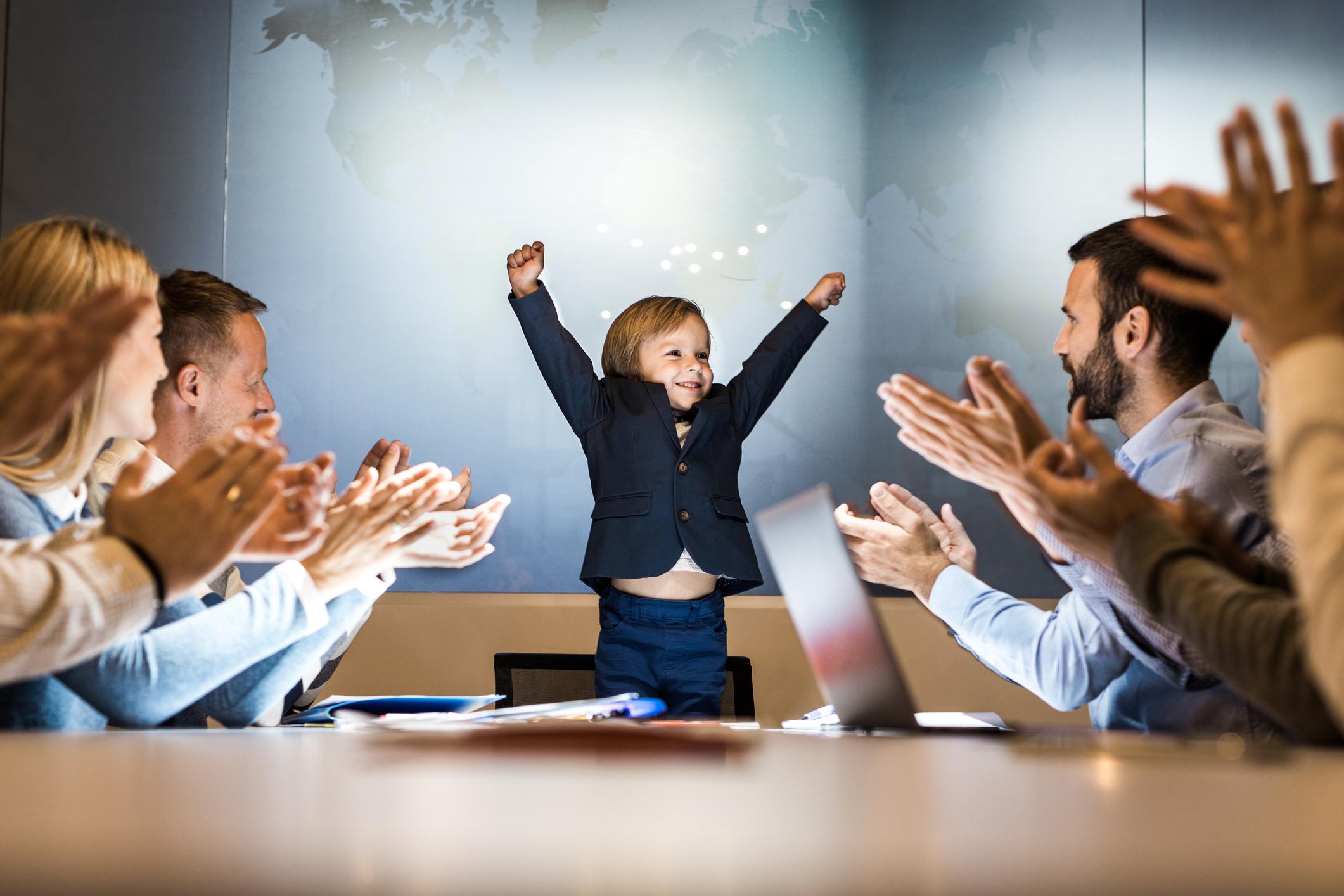5 maneiras de ensinar empreendedorismo por meio de parceria escola-empresa