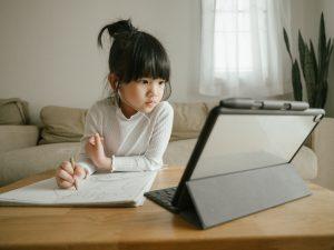 Conheça os benefícios da tecnologia no ensino de idiomas