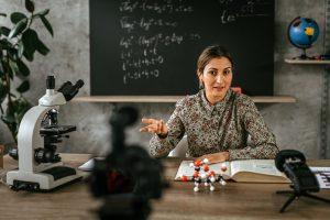 Aulas de Ciências a Distância: como trabalhar esta área de conhecimento nas aulas on-line