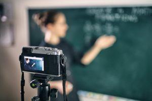 Aulas de português on-line: 4 dicas para otimizar as atividades EAD