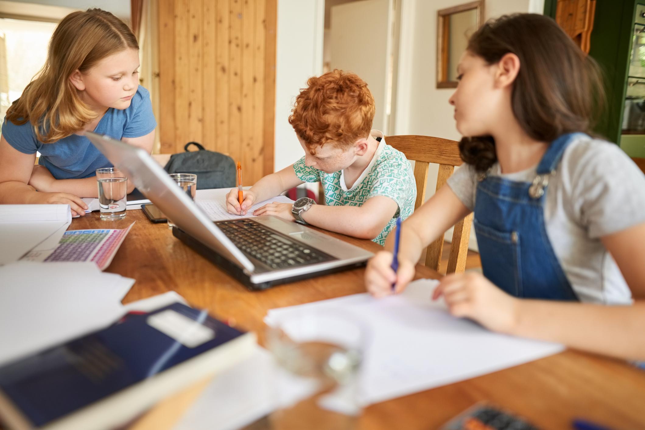 Aprendizagem por Pares nas aulas on-line: benefícios e formas de colocar em prática