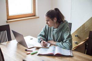 Modelos de Ensino Híbrido: conheça o Flex, à La Carte e Virtual Enriquecido