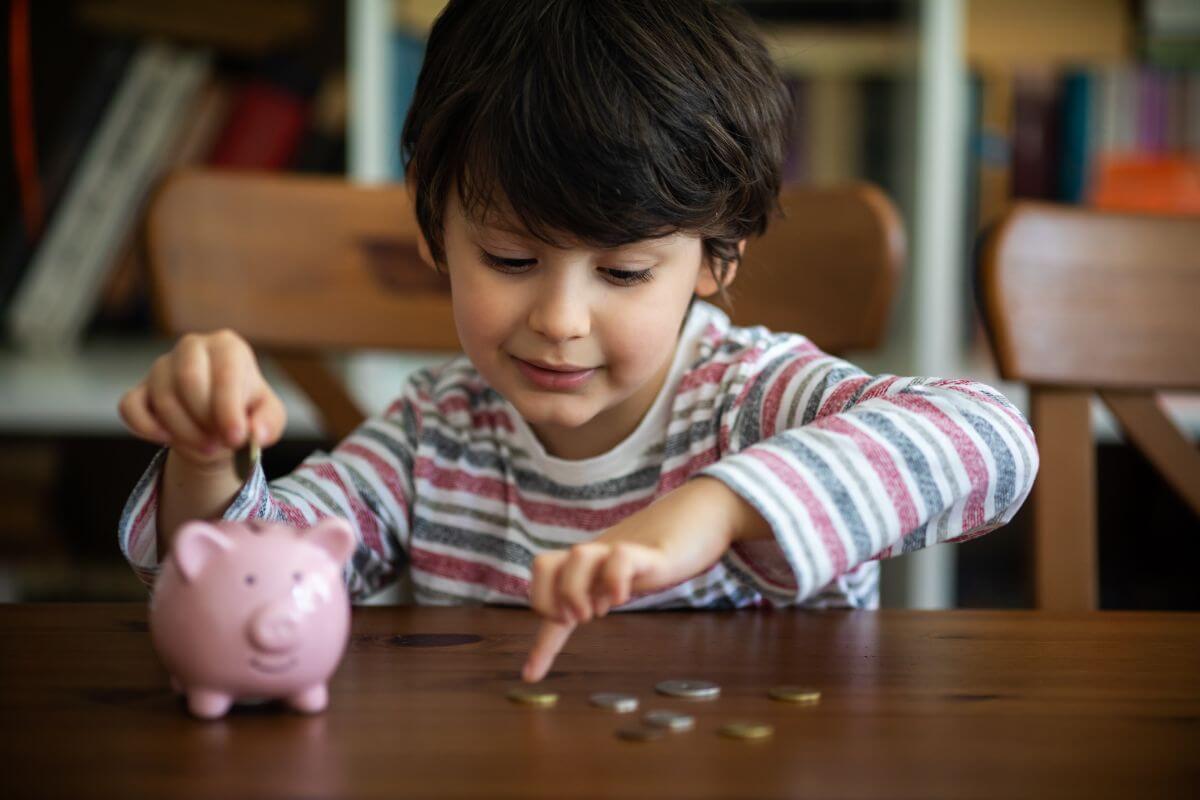 Professores receberão capacitação para ensinar Educação Financeira
