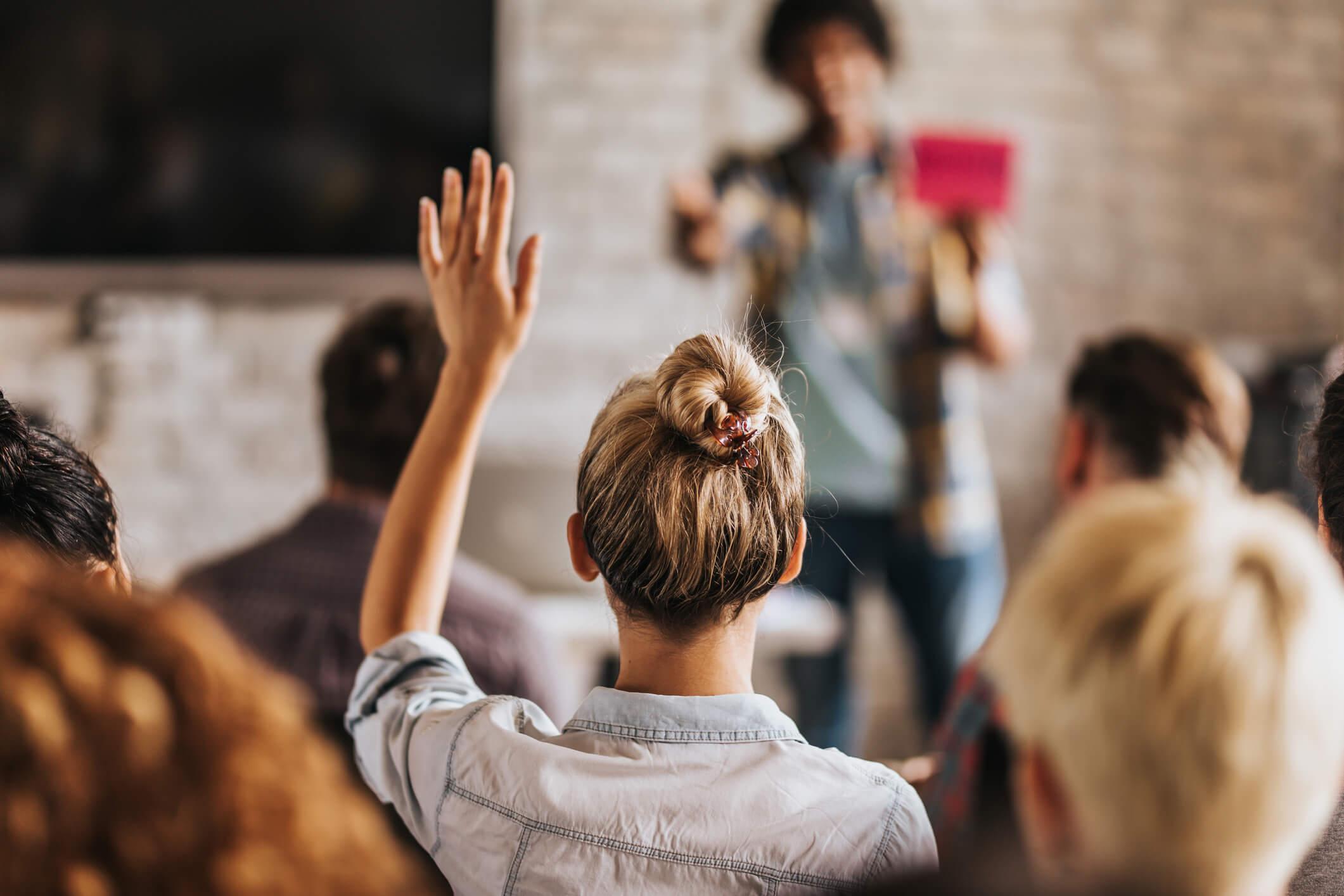 Pesquisa Traços de Personalidade e Intenção Empreendedora: Multi-Group Analysis sobre a Educação Empreendedora.